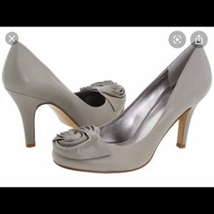 Nine West Atthesea Gray rosette pump heels leather